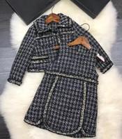 ropa de lana para niñas al por mayor-2 piezas 2018 Bebés conjunto invierno cálido prendas de abrigo Niños de lujo Princesa de Lana Vestido de solapa + chaleco vestido Ropa para niños 2colors