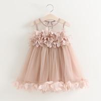 платье оптовых-Розничная детская одежда девушки платья сладкий жилет лепесток принцесса платье белый розовый 2019 детская пряжа чистая плиссированные пачка платье дети дизайнер одежды