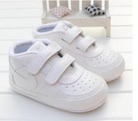 18 aylık ayakkabı toptan satış-2019 Bebek Yumuşak Sole Kanca Döngü Prewalker Sneakers Erkek Bebek Kız Yatağı Ayakkabı Yenidoğan 18 Ay