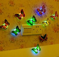 ingrosso luce di parete principale 3d-Adesivo da parete Farfalla luminosa 3D LED Night Light Butterfies Adesivi da parete Home Decorazioni per matrimoni Multicolor