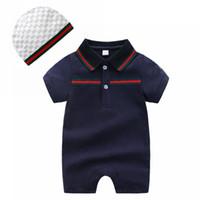 rompers set toptan satış-Bebek tulum Yaz bebek Çocuk tasarımcı katı renk bebek tırmanma kısa kollu çizgili yüksek kaliteli pamuk romper + kap 2 adet set giyim