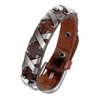 manschetten-armbänder großhandel-100% echtes Kuh-Leder-Mann-Armband-Charme-Schmucksache-Zusatz-Metallnieten Kreuz verzierte Wickelarmbänder Armband-Stulpe-Armbänder