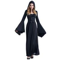 В средневековом платье стриптиз онлайн