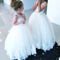 Wholesale christmas holiday images - Cute Ball Gown Flower Girls Dresses Scoop Lace Tulle Floor Length Toddler Infant Children Birthday Holiday Christmas Wedding Party Dresses