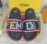 sandales pour femmes à bout ouvert achat en gros de-HOT 2018 SUMMER femmes en cuir véritable luxe coloré clous punk Gladiator bout ouvert diapositives plat sandales avec boîte, livraison gratuite + boîte # 33