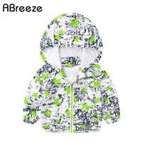 мальчики толстовки зеленый оптовых-Новый цвет зеленый и синий звезда печати мальчики толстовки 1-7 Т летние куртки для мальчиков с длинным рукавом маленький ребенок одежда пальто J017