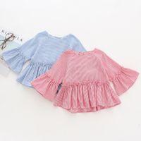 bebek kızları uzun kollu bluz toptan satış-Çizgili Gömlek Kızlar için Moda Pileli Bebek Kız Giysileri Ruffled Uzun Kollu 100 Pamuk Bebek Kız Bluzlar 18041403