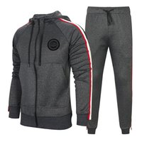 moda casual homens hoodies venda por atacado-Treino Para Homens 2 Peças Set Nova Moda Jaqueta Sportswear Homens Treino Hoodie Primavera Outono Roupas de Marca Hoodies + Calças