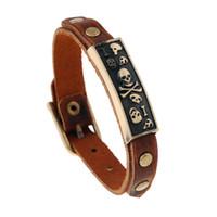 modèles de bracelet à la main achat en gros de-Bracelet de vente crâne de modèle vintage Europe avec bracelet en cuir véritable pour hommes