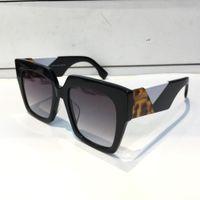 ingrosso pacchetti di fascino-Gli occhiali da sole popolari del progettista di marca delle donne di lusso 0263 affascinano gli occhiali da sole alla moda di qualità Gli occhiali da sole UV di protezione superiore vengono con il pacchetto