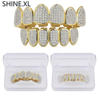 ingrosso pietra denti-Anelli in argento placcato oro con denti di vampiro Grillz Top e fondo in ghiaccio con micro pavé di pietre placcate CZ
