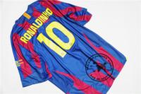 camisa de futebol livre do transporte venda por atacado-Frete grátis 2006 final ronaldinho xavi puyol messi deco giuly larsson eto casa camisa de futebol