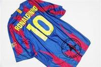 maillot gratuit messi achat en gros de-Livraison gratuite 2006 finale ronaldinho xavi puyol messi déco giuly larsson eto domicile maillot de football