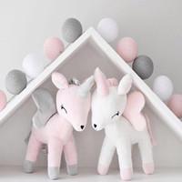 kız doldurulmuş oyuncaklar toptan satış-Unicorn Peluş Bebek Oyuncak Bebek Sevimli Bolster Yastık Erkek Kız Odası Süslemeleri Süsler Çocuklar Hayvanlar Dolması PP Pamuk Yumuşak Popüler Ilmek