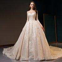 embellissement applique achat en gros de-Superbes appliques Sheer Neck manches longues embellissement perles paillettes paillettes lacent des robes de mariée de luxe avec la cathédrale