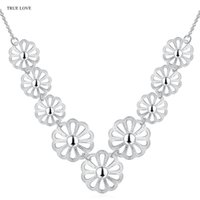 Wholesale beautiful copper pendants for sale - Group buy new design silver flower chokers necklaces fashion street style for woman beautiful wedding N796