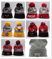 futbol sıcaklığı toptan satış-Erkekler kadınlar Spor takımı Örme Beanie Yün Şapka Man Bonnet gorros Sıcak Cap Kalınlaştır touca için 2018 Yeni basketbol Futbol Kış Beanie Şapka