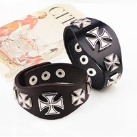 ingrosso antico roma halloween-Cool Punk Cross Rivet Metal Retro Wide Black Brown Leather Bracciale da uomo Bracciale da polso Bracciale antico stile romano