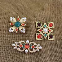 perlenkreuzbrosche großhandel-Neue Mode Broschen Pins Vergoldet Perle Kreuz Broschen Pins für Männer Frauen für Party Hochzeit Schönes Geschenk NL-698