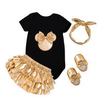 beyaz yeni doğmuş bebek kıyafetleri toptan satış-Bebek Kız Giysileri 4 adet Giyim Setleri Beyaz Siyah Pamuk Tulum Altın Fırfır Bloomers Şort Ayakkabı Kafa Yenidoğan Giysileri