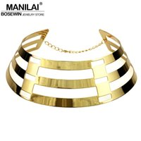 модные нагрудники оптовых-whole saleMANILAI Trendy Arc Hollow Metal Big Torque Neck Bib Choker Necklaces Women  Jewelry Collar Maxi Statement Necklace CE4426