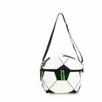 bolsas de moda fresca al por mayor-Oxford Thermal Picnic Bag Moda portátil lonchera con aislamiento resistente al desgaste Eco Friendly Football Print Bags Cooler 18 5lp jj