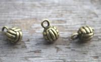 ingrosso fascino di pallavolo-8 pezzi / lotto - Ciondoli da pallavolo, ciondoli in bronzo antico 3D Volleyball 10x15mm