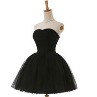 güzel seksi elbiseler toptan satış-2017 Pretty Siyah Mezuniyet Elbiseleri Seksi Sevgiliye Boyun Mini Tül Kısa Boncuklu Korse Kısa Parti Gelinlik Modelleri Kokteyl Elbiseleri Altında 100