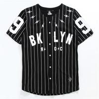 camiseta de beisebol preto venda por atacado-Camisa de homem de pescoço de v manga curta Cardigan Tshirt não. 99 Outerwear de beisebol preto branco listrada T manga