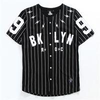 männer kurzhülse strickjacke großhandel-V-Ausschnitt Herrenhemd Kurzarm-Strickjacke T-Shirt Nr. 99 Baseball Oberbekleidung Schwarz Weiß gestreifte T-Ärmel