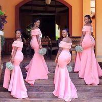 Wholesale long bridesmaid robes online - African Pink Plus Size Bridesmaid Dresses Satin Sexy Side Split Mermaid Maid of Honor Dresses Lace Appliques robes de demoiselle d honneur