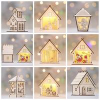 casa de ornamento venda por atacado-Natal Cabines Luminosas Pingente Casa de Natal Enfeites Para Casa Presente Da Parede Pendurado Kerst Casa De Madeira Bonito Decorações Da Árvore de Natal GGA850