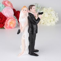 Wholesale Wedding Couple Cake - Escape Bride and Groom with Gun Couple Figurine wedding cake topper for wedding cake decoration wen5846