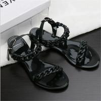 новые пластиковые сандалии оптовых-Европа и Соединенные Штаты новая пластиковая цепь пляжная обувь конфеты цвет желе сандалии цепи плоским дном сандалии
