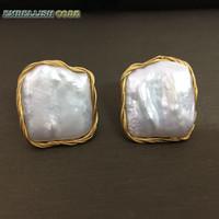 boucles d'oreilles baroques achat en gros de-2018 style NEUF Design fait main enroulement élégant perle Baroque couleur dorée bloc plat carré véritables perles naturelles boucles d'oreille
