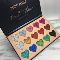 metalik toz toptan satış-Yeni Sıcak Marka Güzellik Sırlı 15 Renk Preslenmiş Glitter Göz Farı Paleti Kalp şekli Makyaj Kontur Metalik İpeksi Toz paleti DHL gemi