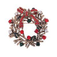 neujahrsblume großhandel-Flower Christmas Broschen Rot Grün Strass High-End-Weihnachtsgeschenk Kranz Garland Brosche Schöne Frohes Neues Jahr Geschenke