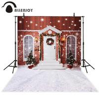 estudios rojos al por mayor-Fondos de vinilo Allenjoy para la fotografía Ventanas de la puerta de la pared de ladrillo rojo Fondo de nieve de la tierra de Navidad para estudio fotográfico
