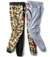 ingrosso pantaloni casual per gli uomini grigi-Pantalone uomo versione nuova pantaloni moda nera in cotone stile casual pantaloni Shark neri grigi mimetici