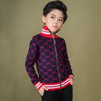 bluzlar korece çocuklar toptan satış-Çocuklar Ceketler Fermuar Renk Çarpışma Çizgili Yakışıklı Erkek Örgü Bluzlar Kore Baskı Sonbahar Ve Kış Yeni Desen Mektup Hırka