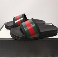sandales de plage chaussures pour hommes achat en gros de-Designer Tiger Slide Beach Designer Pantoufles Pursuit Satin Sandales Femmes Hommes Marque De Luxe Chaussures Casual Mode Flip Flops Pantoufle 36-44