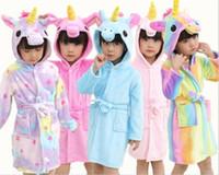 tier hoodie pyjamas groihandel-Bademantel Mädchen Pyjamas Baby-Bademantel RegenbogenUnicorn Muster Hoodies Robes Kinder Nachtwäsche Kinder Animal Cartoon Robes Y279
