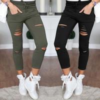 frau jeans zerstört großhandel-Neue dünne Jeans-Frauen-Denim-Hosen-Löcher zerstörten Knie-Bleistift-Hosen-beiläufige Hosen-Schwarz-weiße ausgedehnte zerrissene Jeans