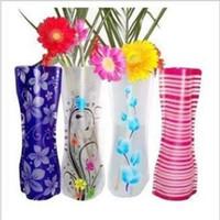 высушенные цветочные дисплеи оптовых-Нерушимая складная многоразовая пластиковая ваза для цветов творческая складная Волшебная ваза из ПВХ 12 см * 27 см смешайте цвет домашнего декора