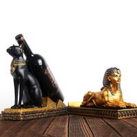ornements de bar à la maison achat en gros de-Égypte Figurine De Chat Rétro Artisanat Stand De Vin Rack Placard De Cuisine Affichage Arts Artisanat Ornement Accueil Decora 33bx bb