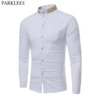 yaka yaka gömlek erkek toptan satış-Altın Nakış Beyaz Elbise Gömlek Erkekler 2018 Marka Mandarin Yaka Slim Fit Chemise Homme Rahat Uzun Kollu Erkek Sosyal Gömlek