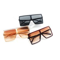 Wholesale vintage photography - Popular Vintage Eyeglasses For Photography Pose Big Frame Fashion Sunglasses Square Shape Retro Sun Glasses For Men And Women 9wm Z