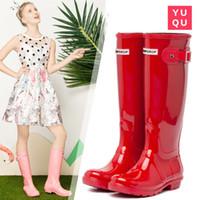 yeni diz yüksek botları toptan satış-2019 YENI Kadın YAĞMURLUKLAR Moda Diz-Yüksek Tall Yağmur Çizmeleri Su Geçirmez Welly Boots Kauçuk Rainboots Su Ayakkabı Rainshoes
