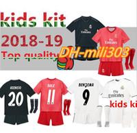 2bfd04d6a2c 2018 2019 Ensemble de maillot de football pour enfants du Real Madrid 18 19  RONALDO BENZEMA ISCO BALE ASENSIO MODRIC maillots de football pour les  enfants à ...