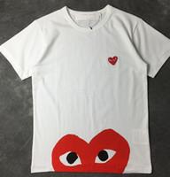 camisetas corazón negro al por mayor-Hombres Mujeres camiseta Negro corazón rojo DES play GARCONS CDG bordado Corazón sudaderas con capucha de manga corta Camisetas Bordado Corazón rojo Camiseta al aire libre